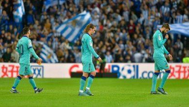 صورة نشوب مشادة كلامية بين لاعبي برشلونة