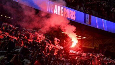 صورة استفزاز جماهير باريس سان جيرمان لبرشلونة