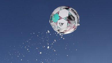 صورة تسجيل هدف من مسافة 65 متراً