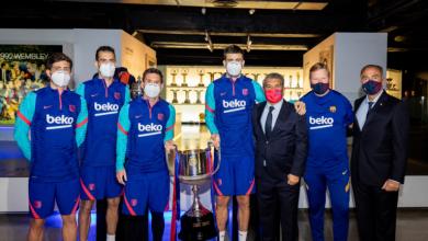 صورة برشلونة وضع كأس الملك الجديد في المتحف