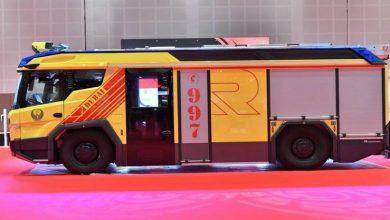 صورة دبي تدشن أول عربة إطفاء كهربائية في الشرق الأوسط