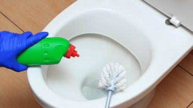 صورة وصفتي السحرية لتنظيف الحمام شديد الاتساخ.. بدون دعك أو مجهود أعيدي حمامك بلا بقع أو اصفرار