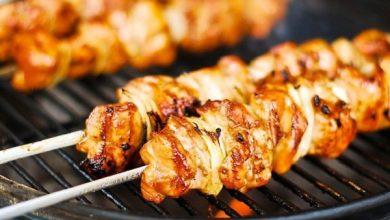 صورة أحلي تتبيلة ممكن تاكليها طريقة عمل الشيش طاووق بطعم رائع ولذيذ مثل المطاعم