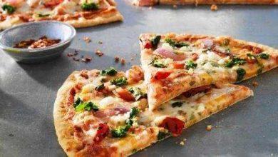 صورة طريقة عمل البيتزا الهشة بالمنزل ومكوناتها بالتفصيل والخطوات وسر صناعتها في شكل هش