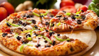 صورة طريقة عمل البيتزا باللحمة المفرومة بعجينة هشة سحرية مثل المطاعم