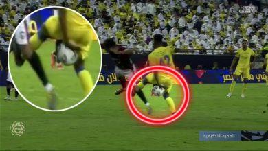 صورة خبير تحكيمي يعلق على هدف النصر الأول في الرائد وحالة واحدة يلغى فيها الهدف