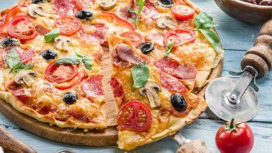 صورة أسهل طريقة تحضير لـ البيتزا الايطالي بالجبن بالخطوات في البيت