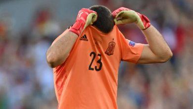 صورة تعرض حارس منتخب إسبانيا للتعذيب بسبب خطأ مباراة كرواتيا