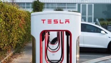 تيسلا تتيح شبكتها للشحن للسيارات الكهربائية الأخرى