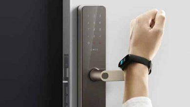 استخدام أقفال الباب الذكية بدلًا من المعتادة